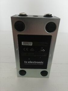 TC electronic Fangs metal distortion guitar effects pedal in box