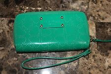 Kate Spade HEART IMPRINT Leather Wallet Clutch ZIP AROUND CELL FITS IN Green