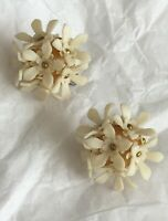 1950s Earrings Vintage Plastic Floral 1940s Retro Screw On White Flower Czech