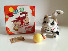 Rare Chat mécanique KITTY Playing Ball Wind up année 60 Neuf en boite Tin Nomura
