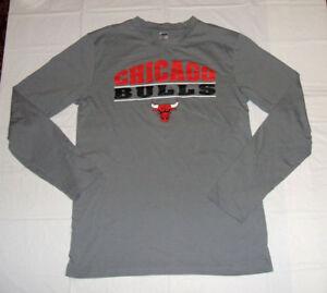 Chicago Bulls Long Sleeve NBA Sideline Apparel Gray Medium T-Shirt 60% Cotton