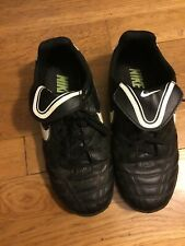 Nike Guc Girl's Black & White Leather Soccer Cleats Size 2 1/2