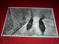 [PHOTOGRAPHIE - CHASSEUR D'IMAGES] GUY CATEZ (1947-2016) Ascenseur Shoes 42x30cm