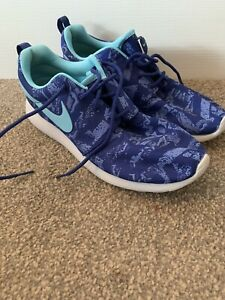 LADIES BLUE NIKE FABRIC TRAINERS PUMPS SHOES UK SIZE 6 GREAT CONDITION