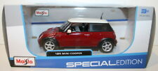 Maisto 1/24 Scale 31219 - New Shape Mini Cooper - Red with white roof