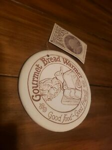 Lyn Ulick Gourmet Bread Warmer