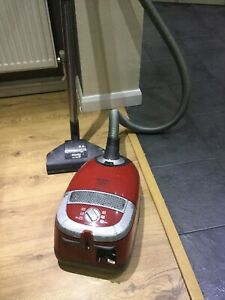 miele cat and dog vacuum cleaner With 3 Cleaning Heads