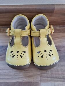 Baby Girls Clarks Shoes Infant Size 3.5G