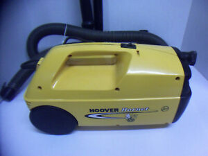 Hoover Hornet Vacuum Cleaner  Model S1221 Uses Bag Type R See Pictures For Attac