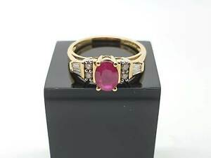 14K Yellow Gold Ring Ruby with Diamond Shoulders and Baguettes