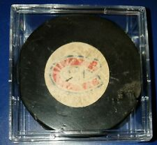 1973-83 MONTREAL Canadiens NHL VICEROY Rubber Crest Official Game Puck Canada