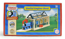 Learning Curve Thomas & Friends Wooden Railway - USEFUL ENGINE SHED  LC99381 new