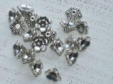 100 Metall Perlenkappen ca 10 x 6 mm Blütenkelch tibetischer Stil A1077