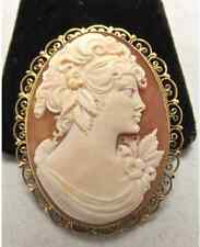 Vintage 18k gold Italian made carved shell cameo brooch pendant made in Italy