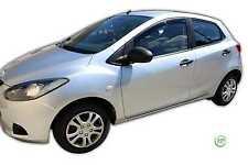 Mazda 2 2009-Up Conjunto de Frente viento desviadores Heko teñido 2pc