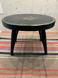 1800's antique panted oval footstool - lovely piece w/ pretty florals