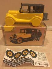 Vintage Avon 1926 Checker Cab Everest After Shave Bottle Decanter Collector Car