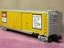LIONEL SCALE #6-27282 UNION PACIFIC 50FT DD BOX CAR w/AUTO FRAME LOAD!!