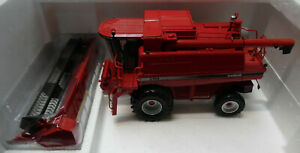 MODEL COMBINE HARVEST Case 2188 Axial-Flow  1/32nd Scale Model By Universal