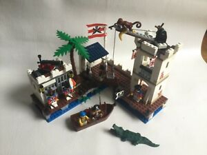 Lego PIRATES: Soldier's Fort (6242) - Complete, box and instructions included