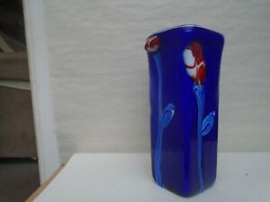 Stunning hand blown blue art glass vase with pretty glass flowers  WOW LOOK