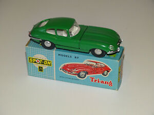 Spot on Models by Triang No.217 -E-Type Jaguar original green almost mint!