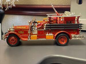 Signature Models 1931 Seagrave Fire Engine Truck Diecast 1:32 Sound Beach VFD