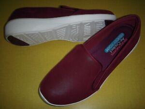 Skechers Arya Slip-On Memory Foam Demi-Wedge Comfort Shoes Women's 8 M Dark Red