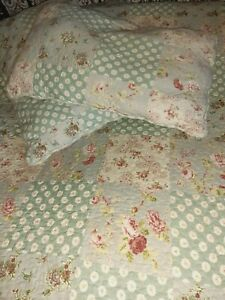 American Quilt and 2 Pillow Shams Scalloped Edged 100% Cotton 254x269cms