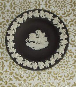 WEDGEWOOD BLACK JASPER PLATE/A