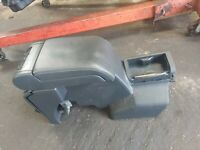 VAUXHALL VECTRA C BLACK LEATHER CENTER ARM REST WITH CONSOLE