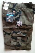 """New listing Dickies Men Camo Shorts 11"""" Relaxed Fit Cargo Cell Phone Pocket New With Tags"""