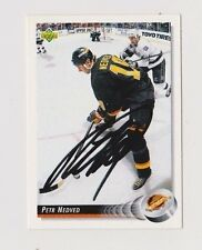 92/93 Upper Deck Petr Nedved Vancouver Canucks Autographed Hockey Card