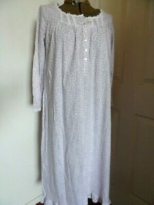 EILEEN WEST Long Night Gown long Sleeves Tulips size 3X  100% Cotton NEW