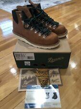NEW IN BOX Danner Mens Vertigo 1845 Lifestyle Boot Brown 9.5 US 32000