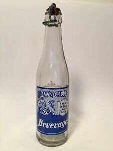 "RARE VINTAGE ""TOWN CRIER BEVERAGE"" ACL SODA BOTTLE W/ STOPPER  ST LOUIS, MO 7 OZ"
