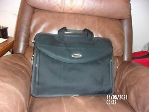 MOBILE EDGE 18.5 INCHES LAPTOP, TABLET REMOVABLE LAPTOP POUCH CARRYING CASE
