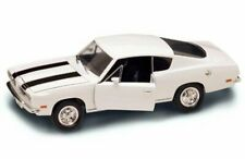 1969 PLYMOUTH BARRACUDA WHITE 1/18 SCALE DIECAST CAR BY YAT MING 92179W