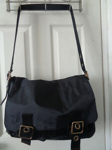 GAP Laptop Messenger Bag Crossbody Black Nylon Green Lining Water Resistant