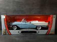 Road Signature 1957 Olds Super 88 Convertiblle 1:18 Scale Diecast  Model Car
