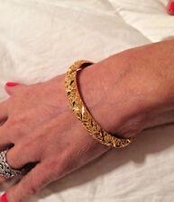 22k (.916) Gold Ladies Bangle Bracelet 18.6 grams 8.3mm