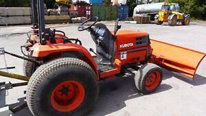 KUBOTA COMPACT TRACTOR WITH REMOVABLE SNOW PLOUGH