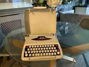 vintage typewriter working
