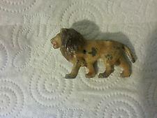 lion animaux cirque plomb creux quiralu? 8 cm de long