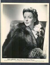 SEXY + LOVELY IDA LUPINO GLAMOR PORTRAIT IN NEAR MINT- CONDITION - NOIR DIRECTOR