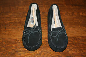 Minnetonka Women's Moccasins Cally Slipper 4010 Black Suede Size 10 NEW WITH BOX