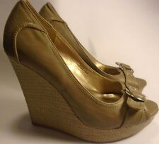 Charlotte Russe Womans Size 7 Light Grey High Chunky Heels 5 Inches Buckle