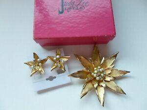 Vintage Signed Judy Lee Gold Tone Rhinestone Faux Pearl Flower Brooch Earrings