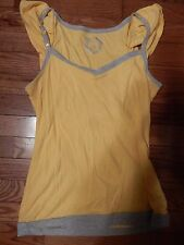 Cute yellow and gray short sleeve T shirt - L