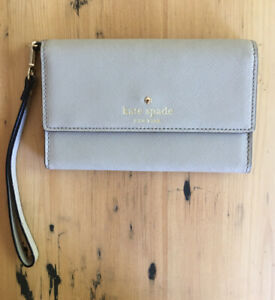 Kate Spade Wallet Beige Leather.
